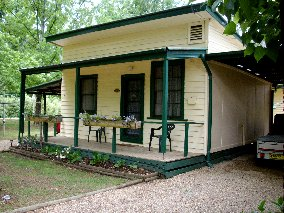 Pioneer Garden Cottages - Accommodation in Bendigo