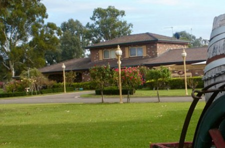 Carriage House Motor Inn - Accommodation in Bendigo
