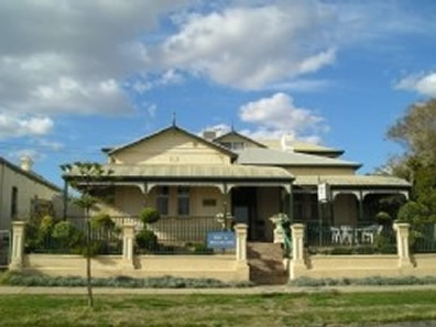 Meleden Villa - Accommodation in Bendigo