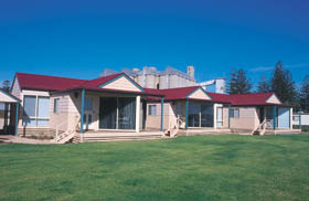 The Mac's Beachfront Villas - Accommodation in Bendigo