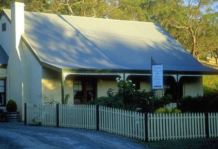 Country Pleasures Bed and Breakfast - Accommodation in Bendigo
