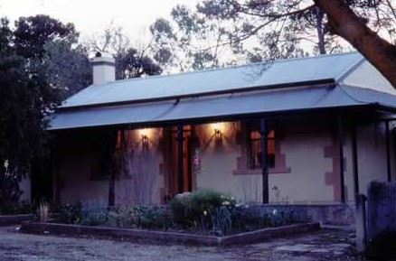 Walnut Cottage - Accommodation in Bendigo