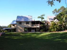 Glasshouse Mountains Ecolodge - Accommodation in Bendigo