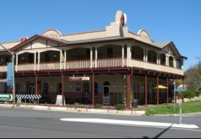 The Royal Hotel Adelong - Accommodation in Bendigo