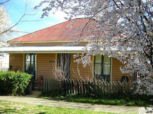 Cooma Cottage - Accommodation - Accommodation in Bendigo