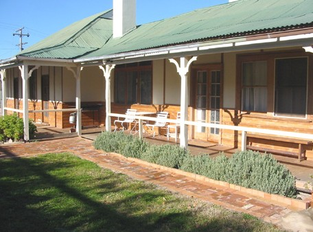 Gundagai Historic Cottages Bed and Breakfast - Accommodation in Bendigo