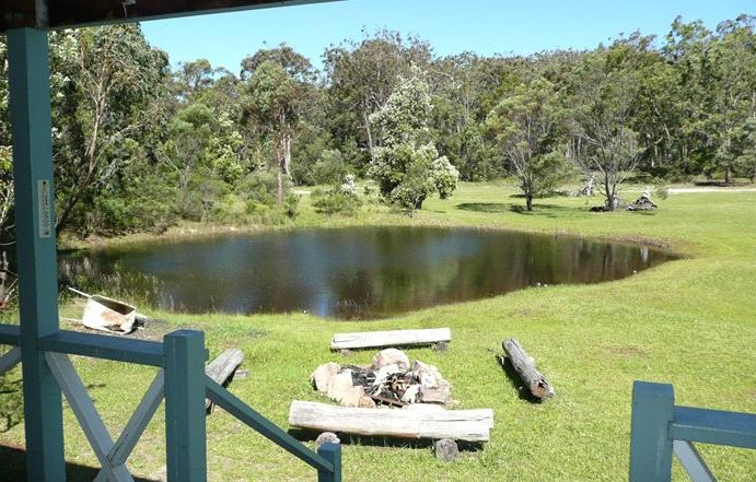Possums Hollow and Hooters Hut - Accommodation in Bendigo