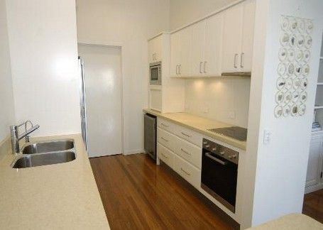 Claytons on Cylinder Beach Front Apartments - Accommodation in Bendigo