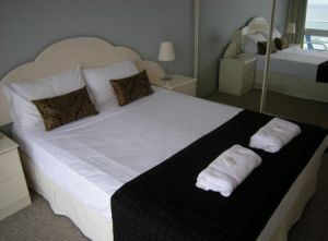 Pacific Regis Beachfront Apartments - Accommodation in Bendigo