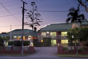 Aabon Holiday Apartments  Motel - Accommodation in Bendigo
