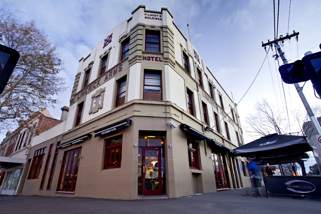 The Limerick Arms Hotel - Accommodation in Bendigo