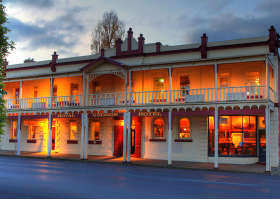Royal George Hotel - Accommodation in Bendigo