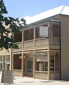 Cobb  Co Court Boutique Hotel - Accommodation in Bendigo