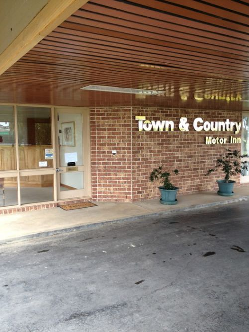 Town amp Country Motor Inn Forbes - Accommodation in Bendigo