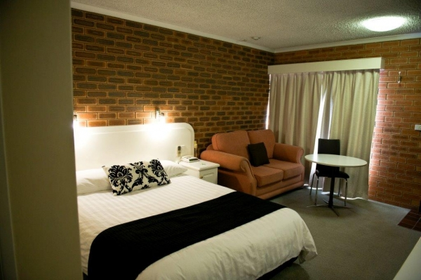 Cousins Motor Inn - Accommodation in Bendigo