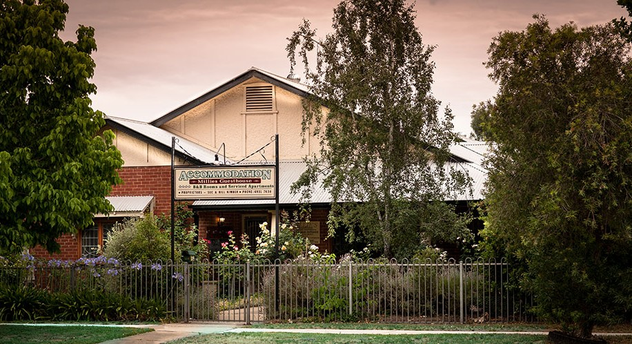Millies Guesthouse  Serviced Apartments - Accommodation in Bendigo