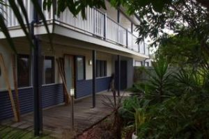 Moffat Beach Pet Friendly Holiday House - Accommodation in Bendigo