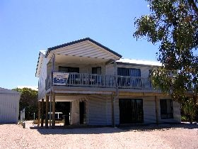 Acacia Beach House - Accommodation in Bendigo