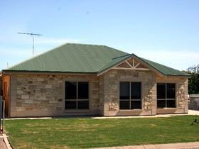 Juno Court Holiday Retreat - Accommodation in Bendigo