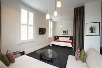 Middle Park Hotel - Accommodation in Bendigo