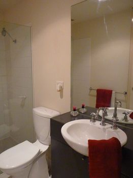 Australian Home Away  Market Square Melbourne - Accommodation in Bendigo
