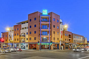 Quality Suites Boulevard On Beaumont - Accommodation in Bendigo