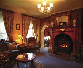 Oatlands Lodge Colonial Accommodation - Accommodation in Bendigo