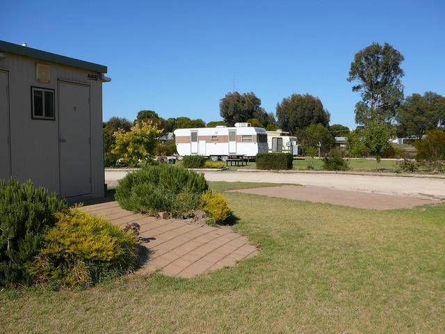 Cummins Community Caravan Park