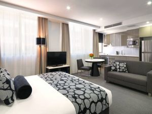 Meriton Serviced Apartments - North Ryde - Accommodation in Bendigo