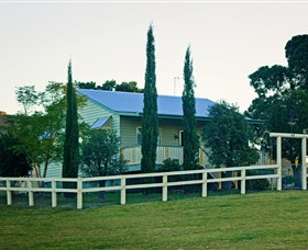 Milford Country Cottages - Accommodation in Bendigo