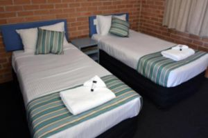 The Oaks Hotel Motel  - Accommodation in Bendigo