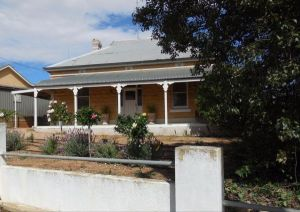 Book Keepers Cottage Waikerie - Accommodation in Bendigo