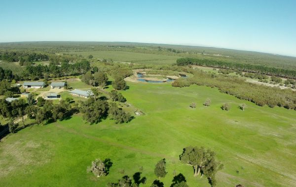 Sandy Lake Farm Stay Accommodation Gingin WA - Accommodation in Bendigo