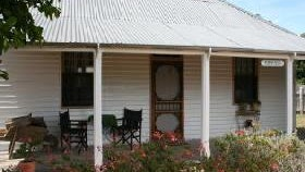 Davidson Cottage on Petticoat Lane - Accommodation in Bendigo