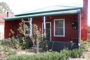 The Red House - Accommodation in Bendigo