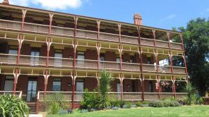 Yarra House - Accommodation in Bendigo