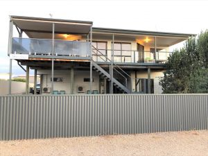 Shorelines - Accommodation in Bendigo