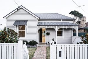 The Fox House Kyneton - Accommodation in Bendigo