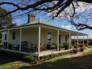 Crookwell Farmhouse - Accommodation in Bendigo