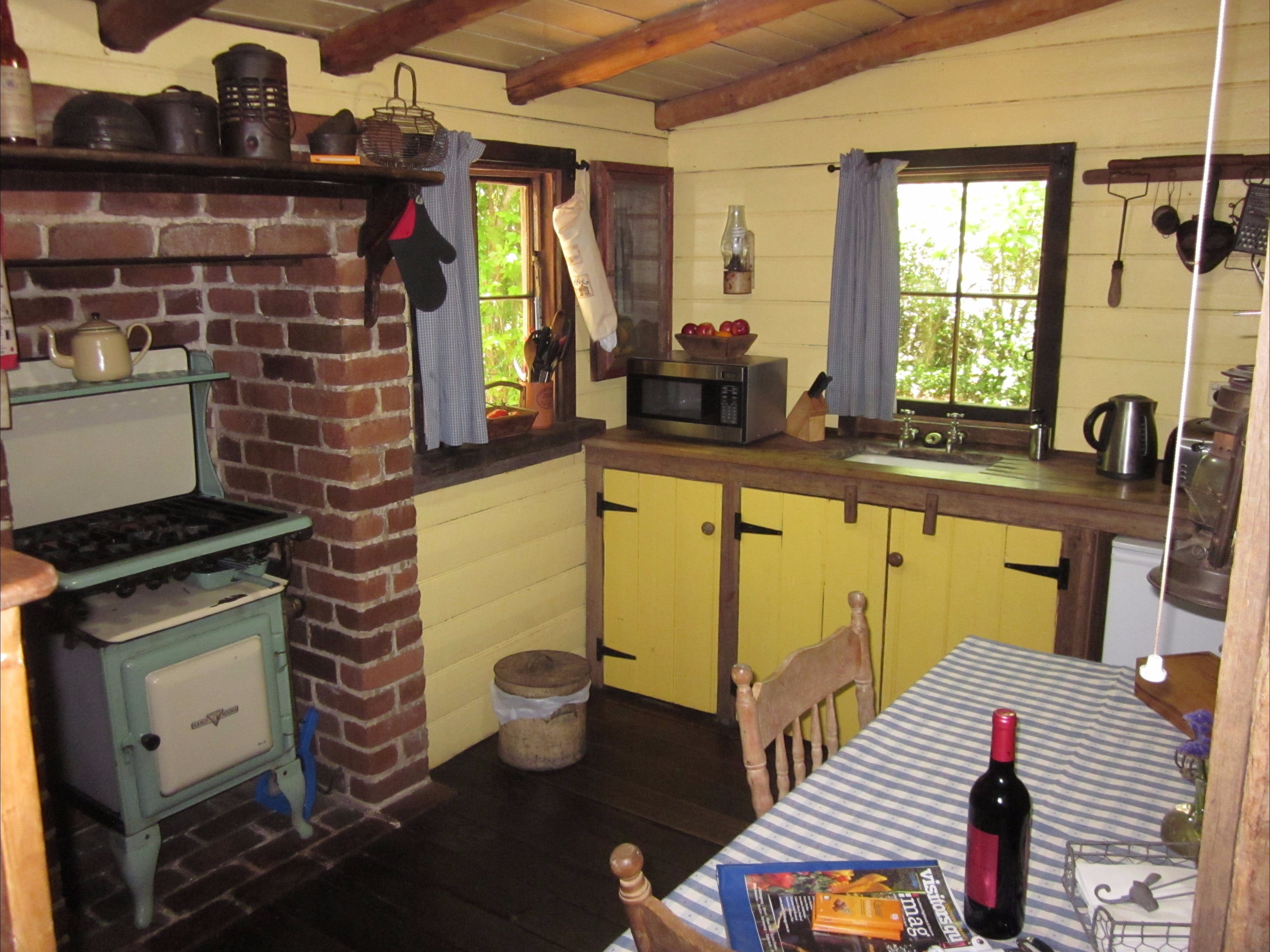Settlers Hut - Accommodation in Bendigo