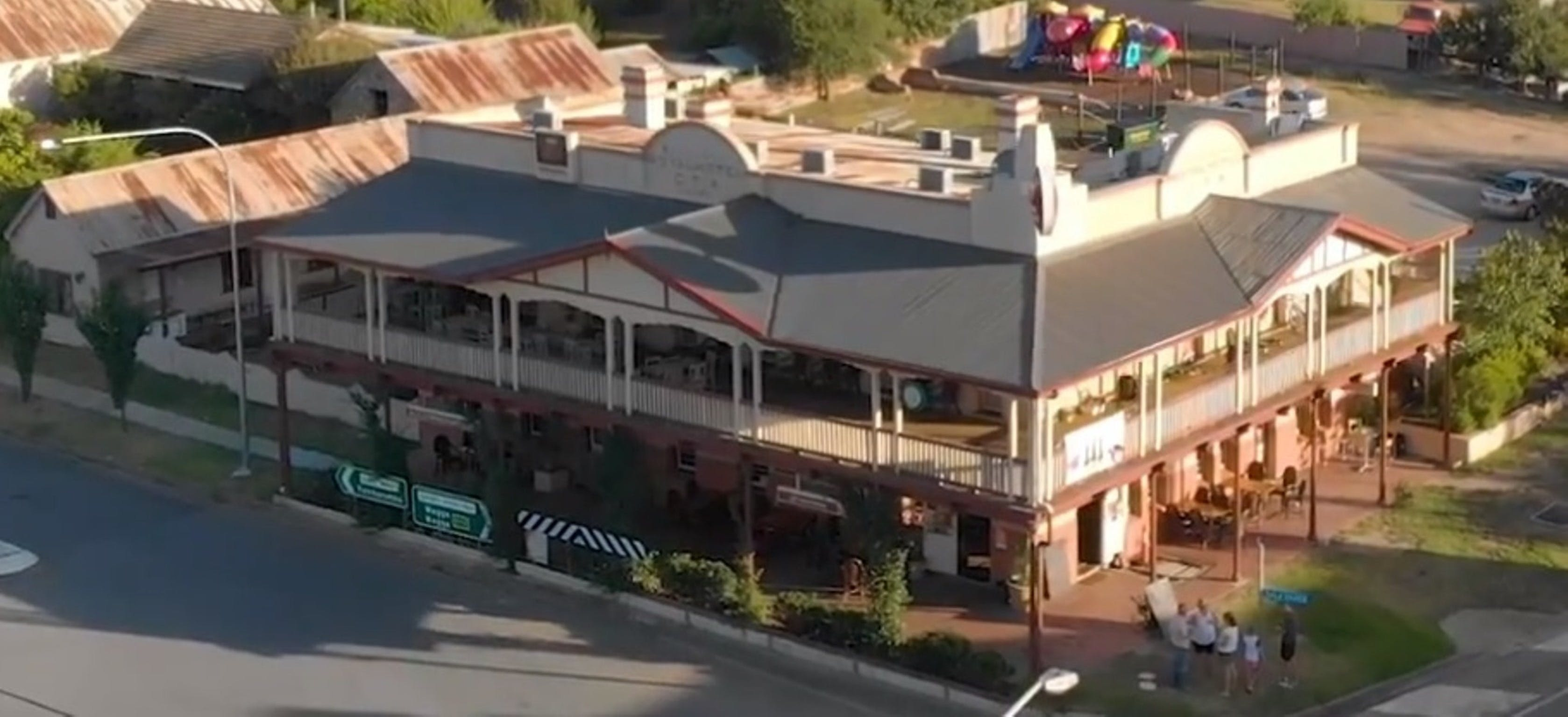 Royal Hotel Adelong - Accommodation in Bendigo