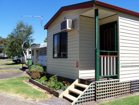 Leongatha Apex Caravan Park - Accommodation in Bendigo