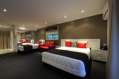 The Gateway Village Holiday Park - Accommodation in Bendigo