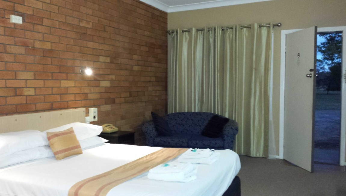 AA Hilldrop Motor Inn - Accommodation in Bendigo