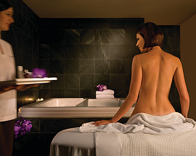 Four Seasons Hotel Sydney Spa - Accommodation in Bendigo