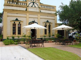Domain Day - Accommodation in Bendigo