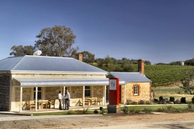 Two Hands Wines - Accommodation in Bendigo