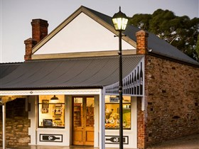 Hither and Yon Wines - Accommodation in Bendigo