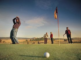 Ratho Farm  Golf - Accommodation in Bendigo