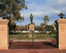 Dalby War Memorial and Gates